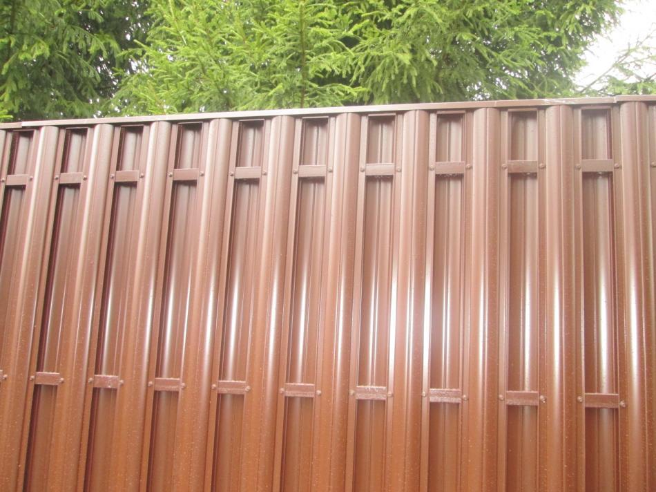 Забор из  металлического штакетника h-1,25м
